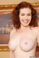 Sexy pornstar Mae Victoria up close and personal